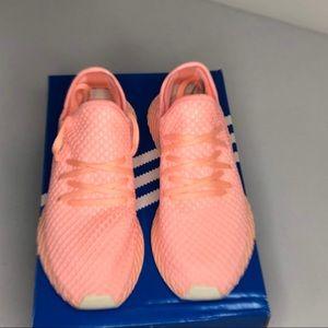 1cc0cf720deb5 adidas Shoes - Women s Adidas Deerupt W Size 8  B41727
